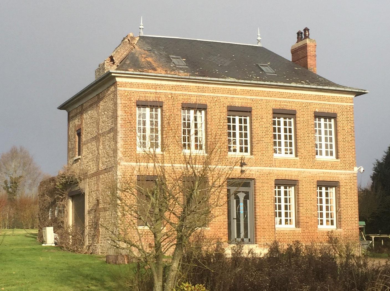 Exemple de souche de cheminée effondrée