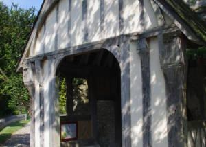 Entrée de la chapelle en torchis