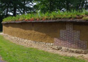 Mur en bauge reconstruit